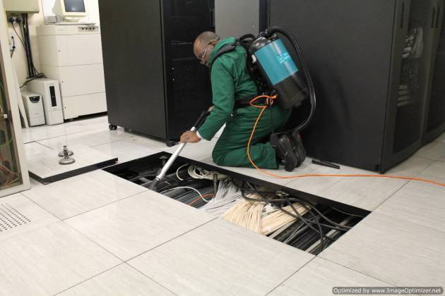 under_floor_cleaning